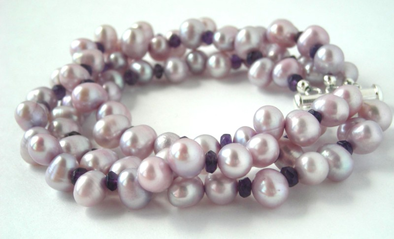 Hedy - lilac pearl  amethyst bracelet